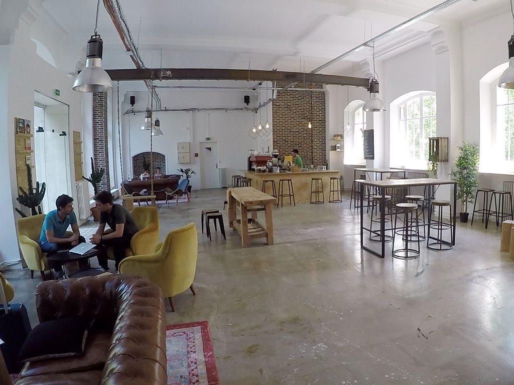 Coworking di Pigalle a Parigi con progettato il risanamento acustico attraverso i pannelli Phonolook di Eterno Ivica