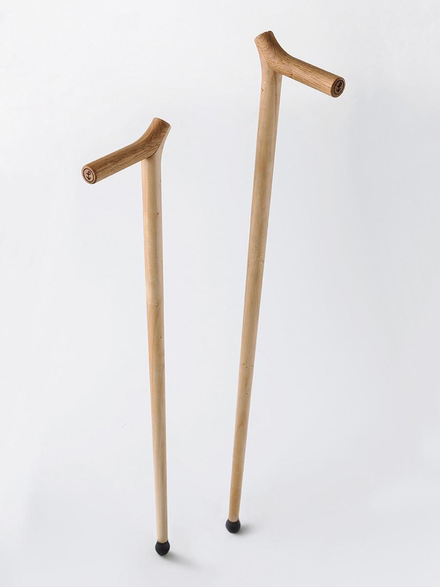 Due bastoni da passeggio