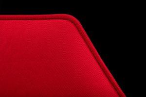 Dettaglio di un Phonolook Design esagonale di colore rosso