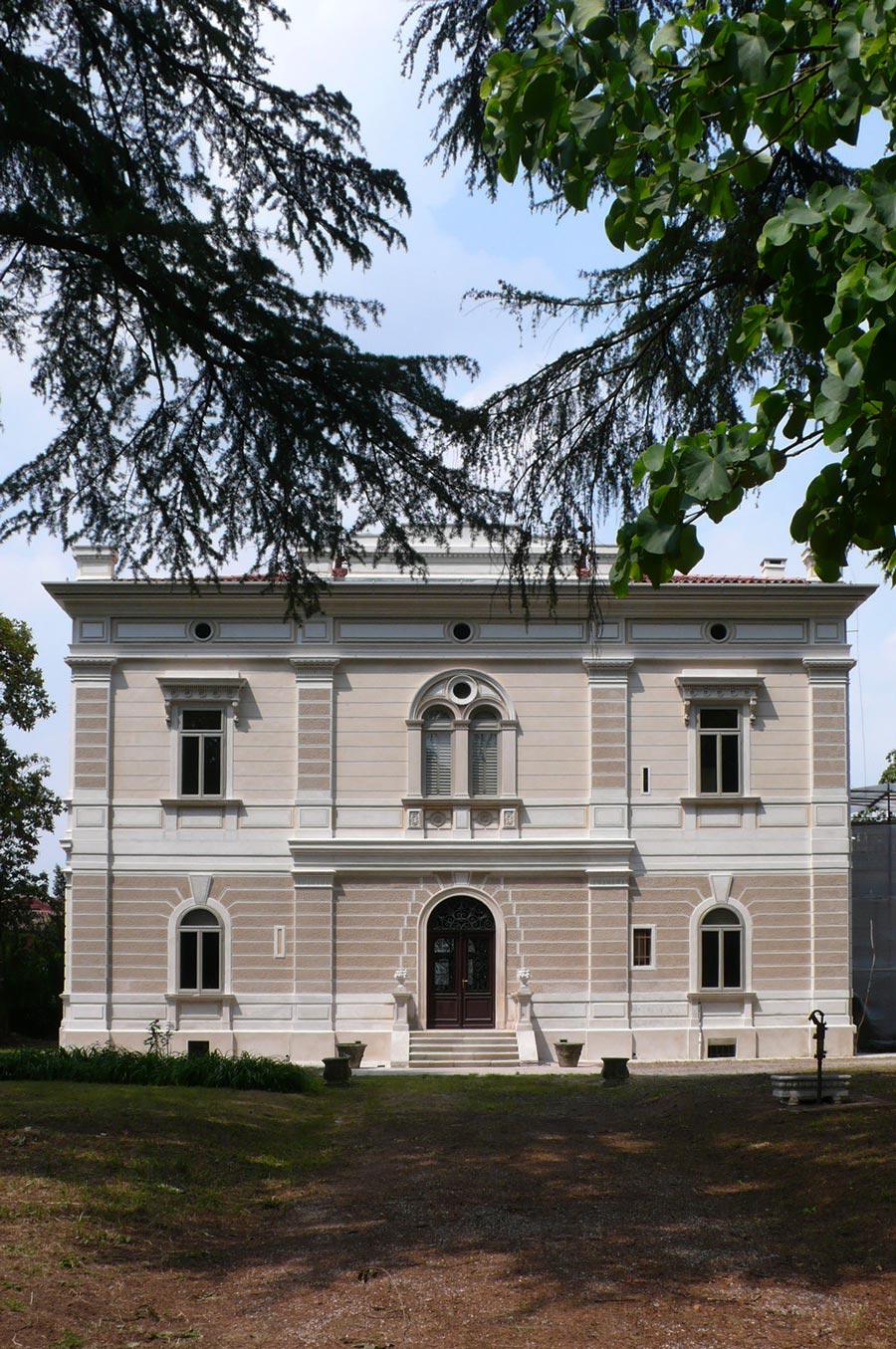 Facciata frontale di Villa Giustina
