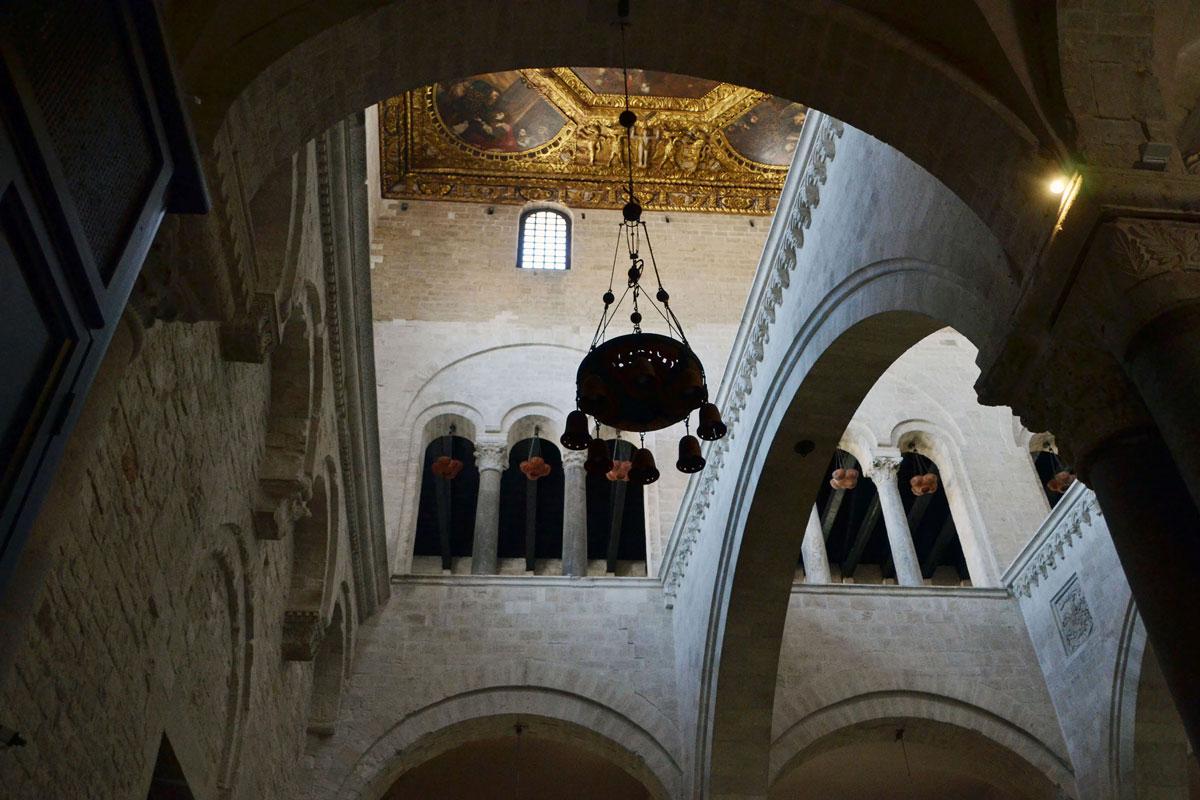 Interno della Basilica di San Nicola