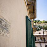 scorcio esterno, con vista sul castello Svevo di Cosenza